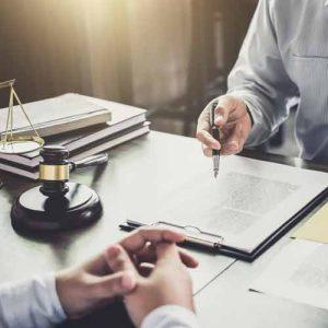 החוק מבגיל בין ירושה על פי צוואה או ירושה על פי חוק
